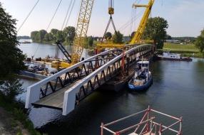 Snelfietsroute van Nijmegen naar Cuijk klaar na plaatsen brug