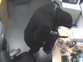 Politie onderzoekt overval casino Cuijk en mishandeling met bierfles in Rijsbergen [VIDEO]