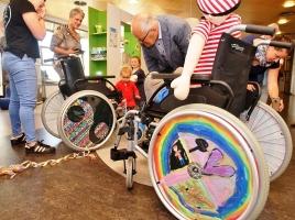 Kinderen Maasziekenhuis pimpen hun rolstoel
